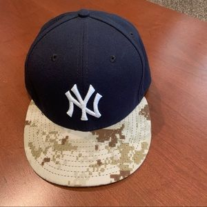 New York Yankees Hat with camouflage brim